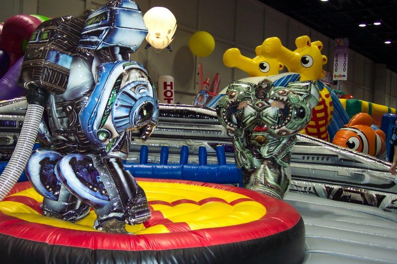 Noleggia gioco gonfiabile Air Bots in tutta Italia